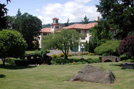 columbia-gorge-hotel